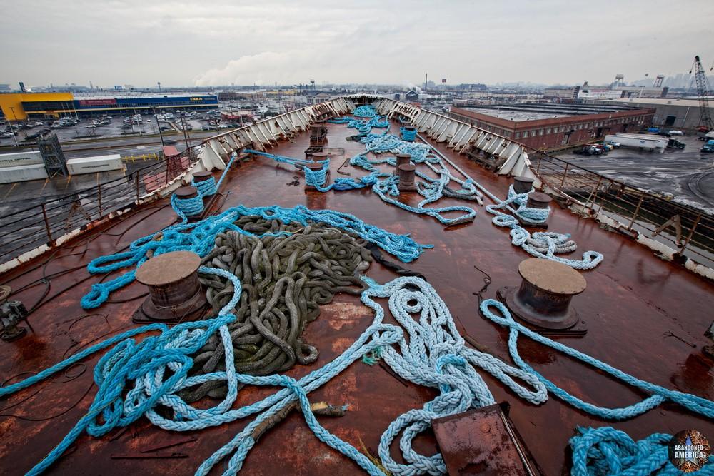 Snarled   SS United States (Philadelphia, PA) - SS United States