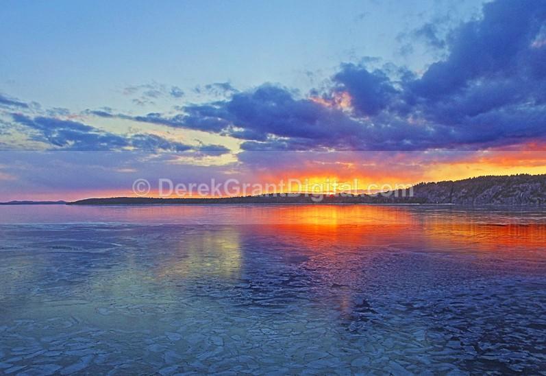Kennebecasis Bay Sunset Rothesay New Brunswick Canada - Sunset/Moonrise