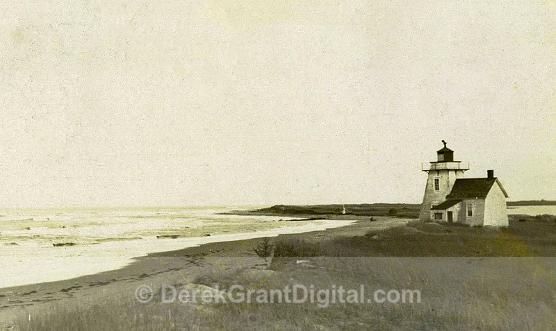 Richibucto Head Cap Lumière Lighthouse Kent County New Brunswick - Historic New Brunswick