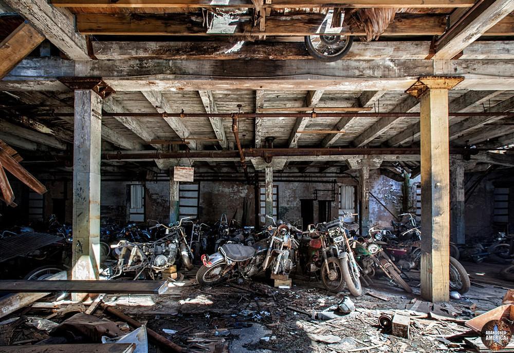 Kohl's Motorcycle Graveyard (Lockport, NY) | Vintage - Kohl's Cycle Sales