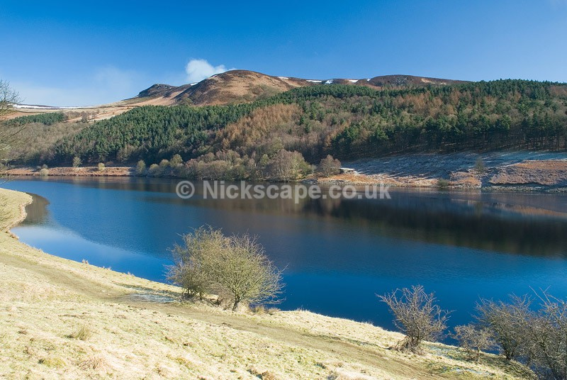 Ladybower Reservoir - Icy Spring Morning - Peak District, UK - Peak District Landscape Photography Gallery