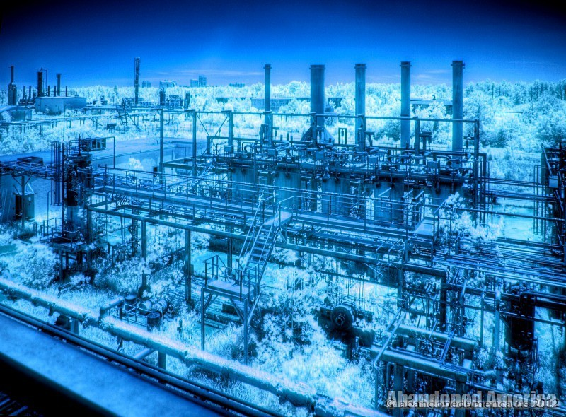Abandoned GAMXX Oil Refinery - Matthew Christopher's Abandoned America