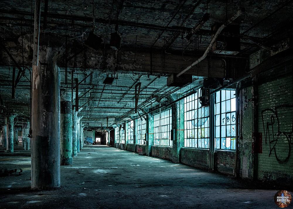 Fisher Body Plant 21 (Detroit, PA) | Blue light - Fisher Body Plant 21