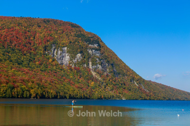 Standup Paddleboard Lake Willoughby - Vermont & Long Trail