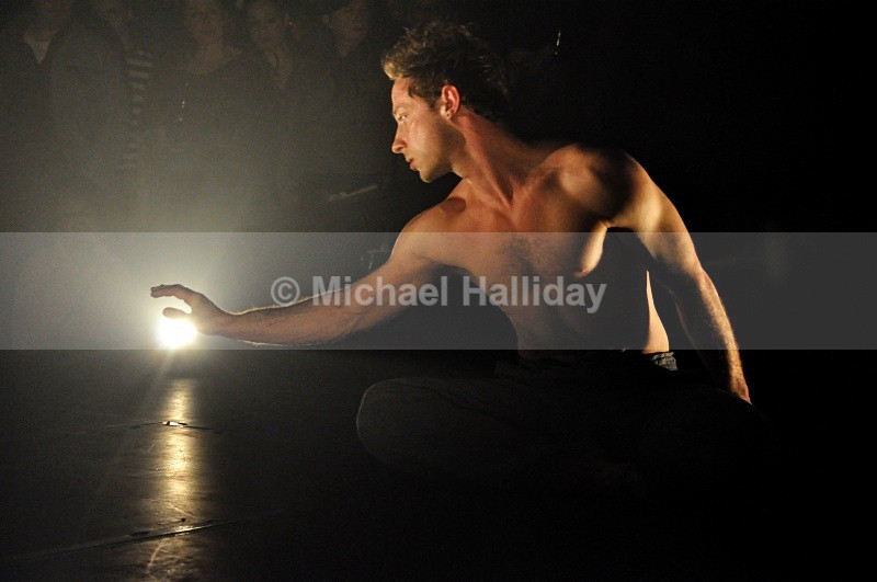 Surface Area Dance Theatre : Saros - Dance