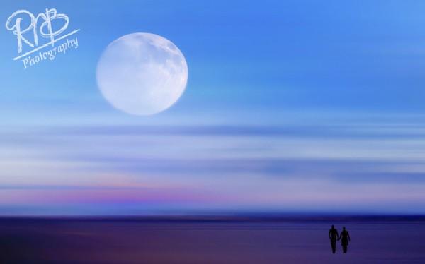 Moon Walkers - Creative Images