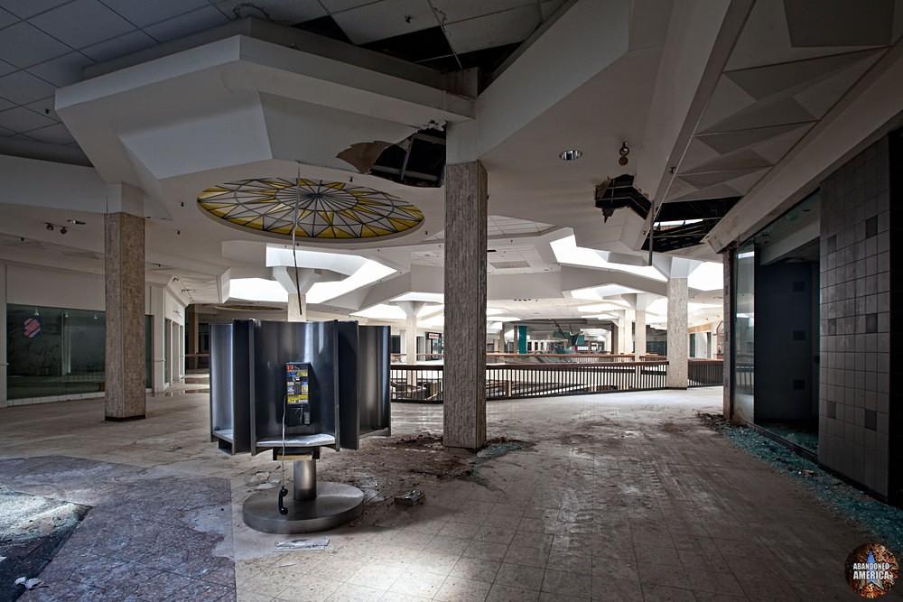 Randall Park Mall (North Randall, OH) | Payphone Kiosk - Randall Park Mall
