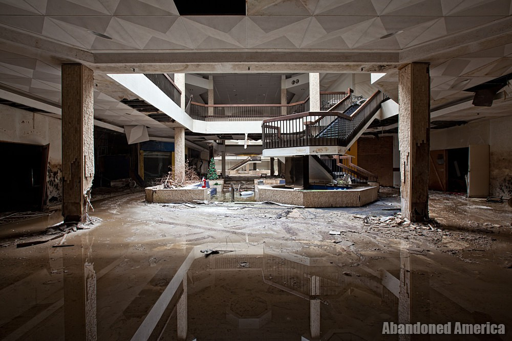 Randall Park Mall (North Randall, OH) | Hidden in Shadows - Randall Park Mall