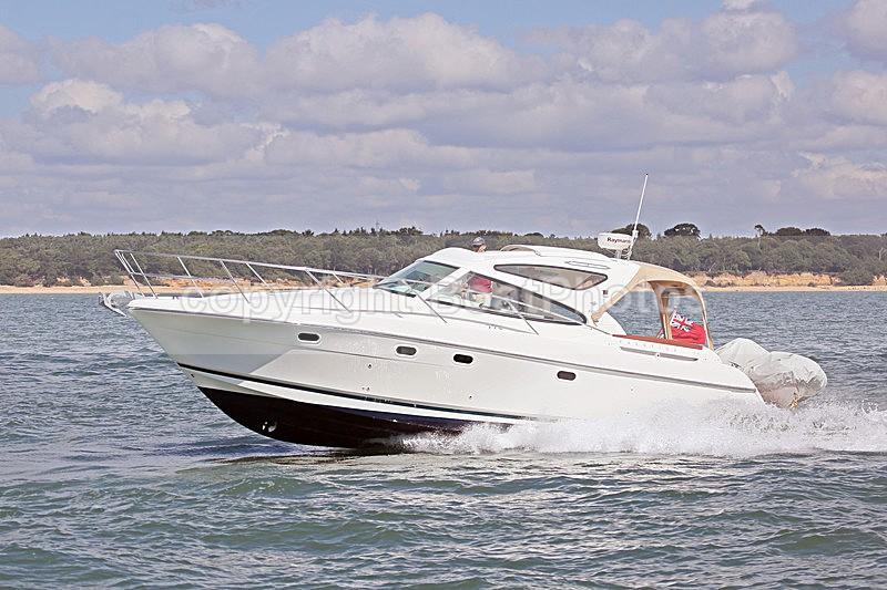 160806 SEA - JEANNEAU PRESTIGE Y92A0043 - Motorboats - Open