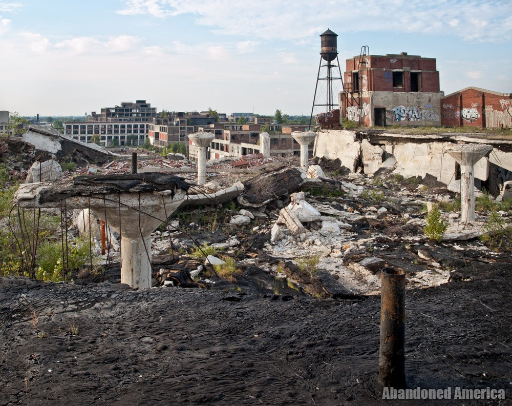 Packard Motor Car Company (Detroit, MI) | Collapsed Rooftop Expanse - Packard Motor Car Company