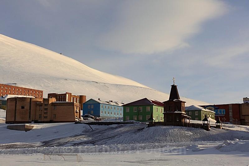 Barentsburg 6215 - Winter in the daylight