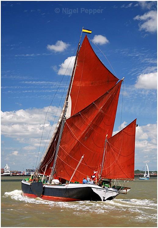 SB 'Decima' - The Pin Mill Barge Match
