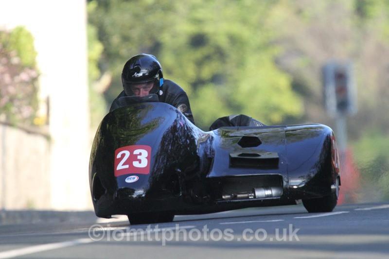 IMG_5513 - Thursday Practice - TT 2013 Side Car