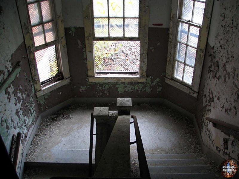 - Athina State Hospital Tuberculosis Ward*
