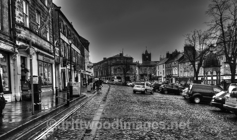 Alnwick bw HDR resized - High Dynamic Range pictures