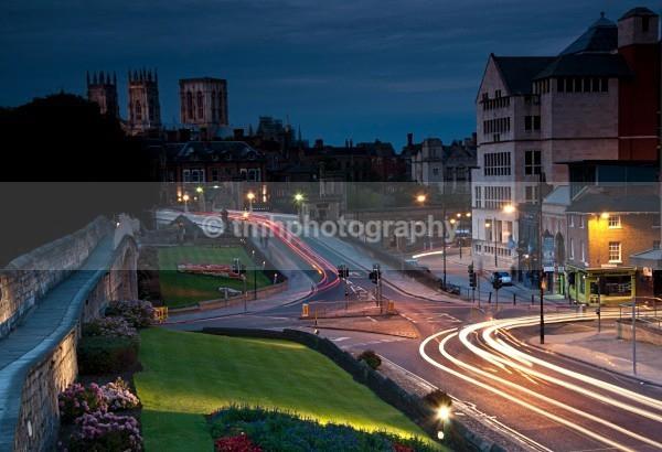 Traffic Lights. - Low Light Photography