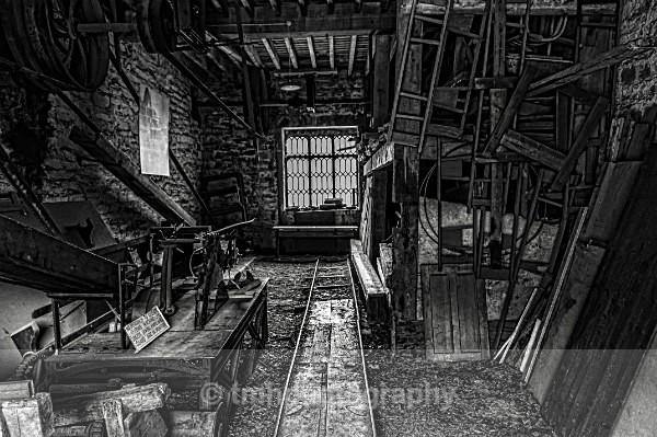 Splitting House - Monochrome Photograph's