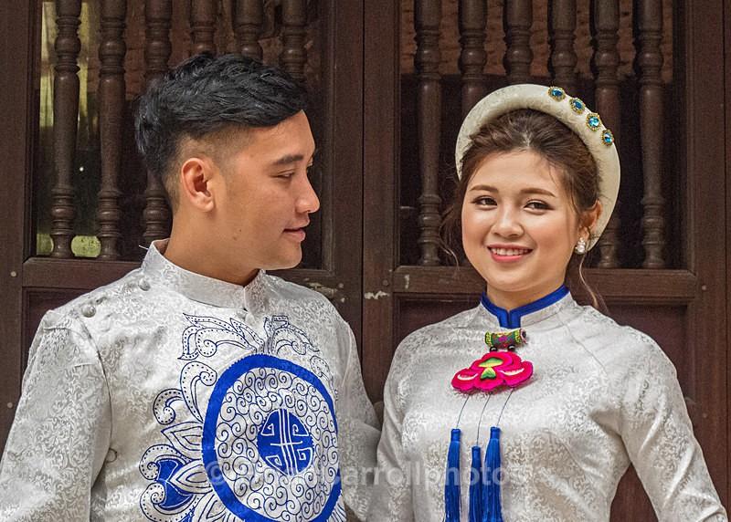 IMG_5121 Couple in traditional wedding costume, Hue, Vietnam - Vietnam