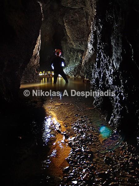 Στον υπόγειο ποταμό Σκληθράκι Ι In the underground river Sklithraki - Σπήλαια I Caves