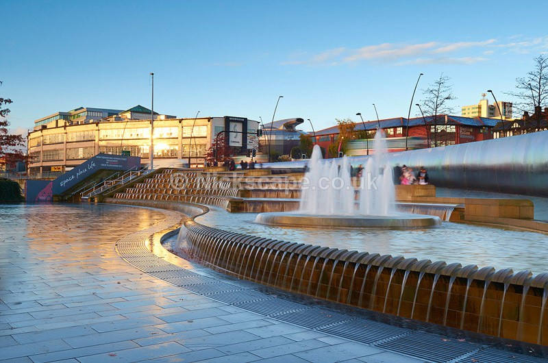 Sheffield Sheaf Square Cutting Edge Sculpture & Showroom Cinema - Yorkshire