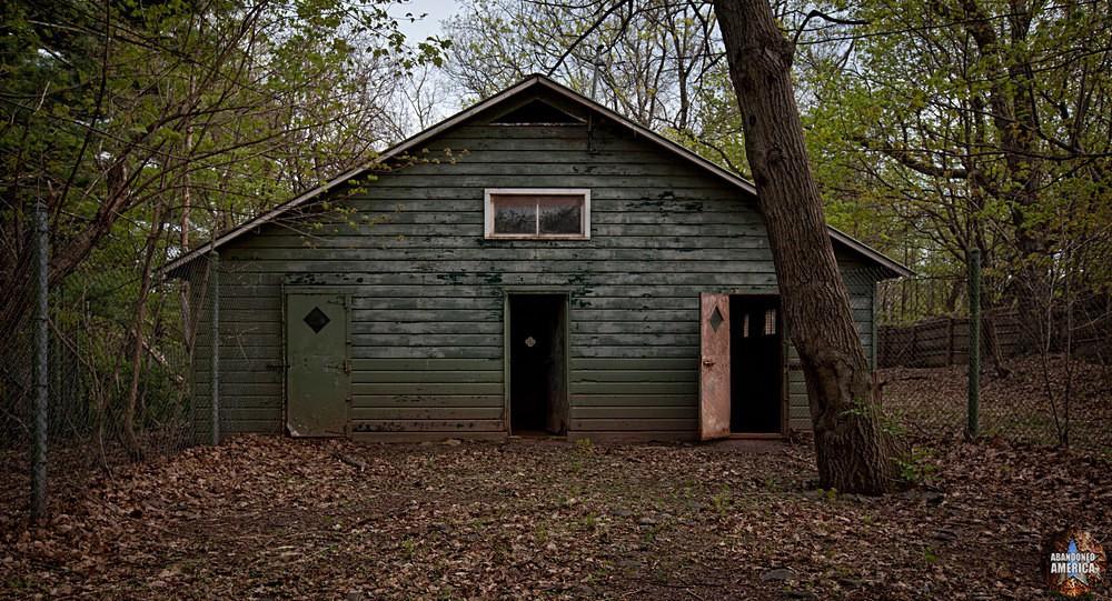 Catskill Game Farm (Catskill, NY) | Ominous Pen Entrance - Catskill Game Farm