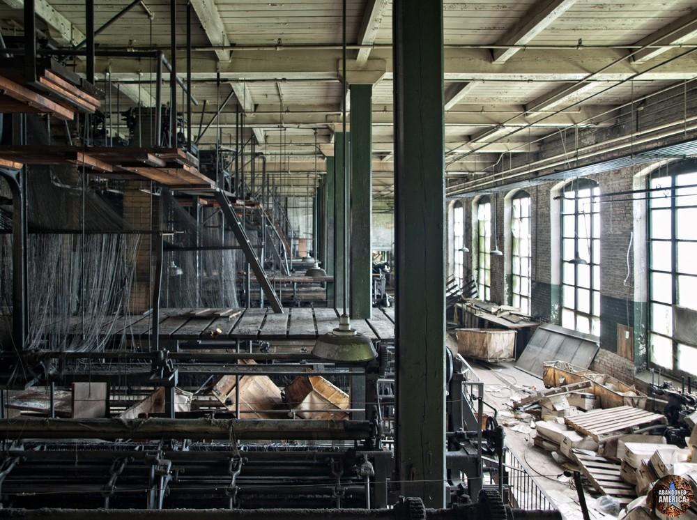 The Scranton Lace Company | Loom Room - Scranton Lace Company