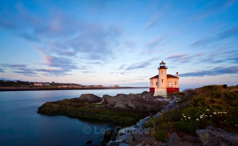 Coquille lighthouse at sunrise - Oregon