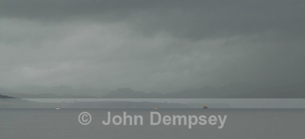 A Grey Day on the Clyde - Round Britain Farewell Trip for QE2