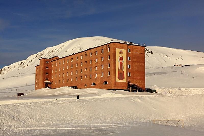 Barentsburg 6214 - Winter in the daylight