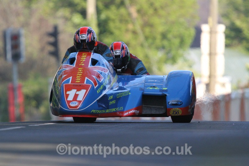 IMG_5453 - Thursday Practice - TT 2013 Side Car