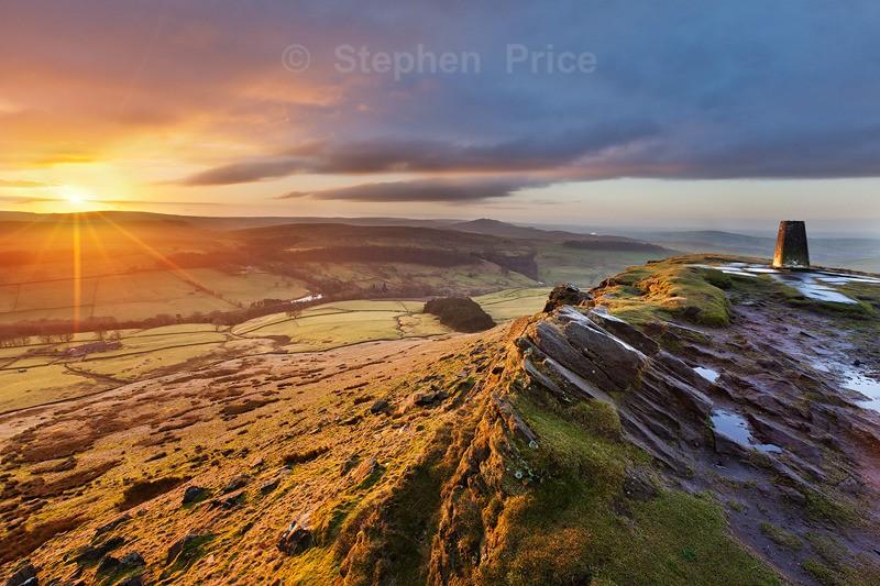 Sunrise at Shutlingsloe | Peak District Photography