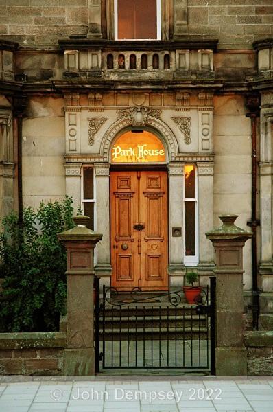 Park House Entry - Montrose Streets
