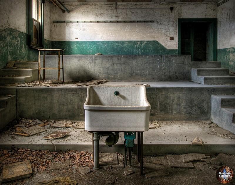 Ellis Island Communicable Disease Hospital | Abandoned America