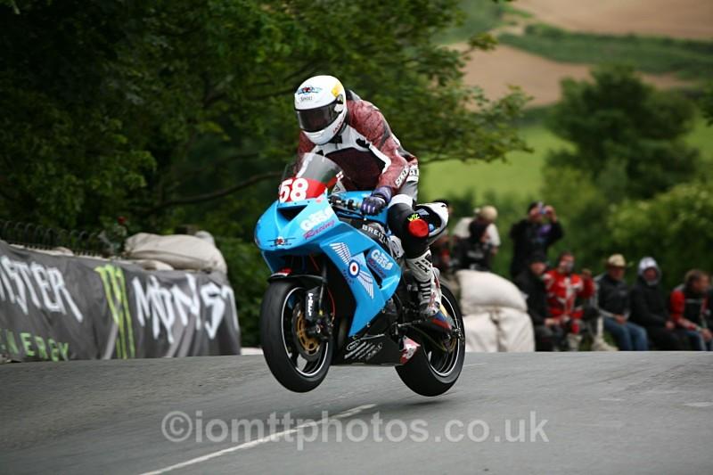 - Superstock Race
