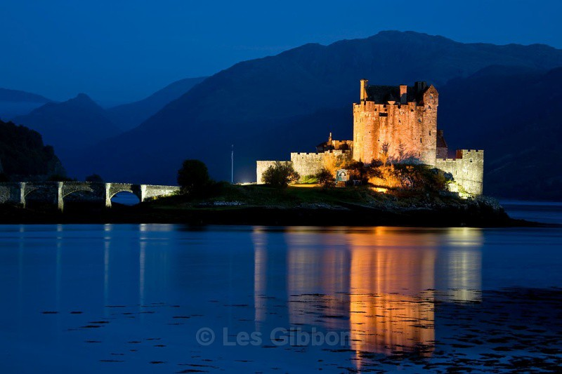 Eileen doonan castle illuminated - Highlands and Islands