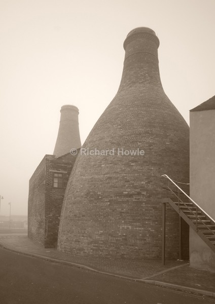 Misty Ovens - Potteries Images