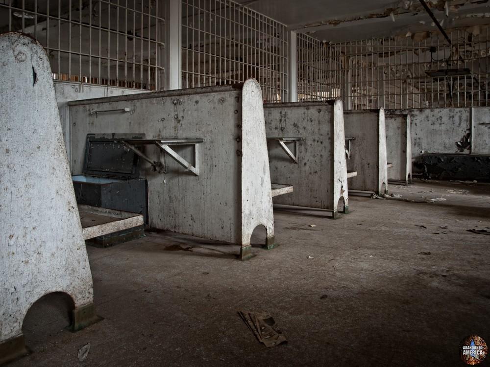 Essex County Jail Annex (Caldwell, NJ) | Day Room - Essex County Jail Annex
