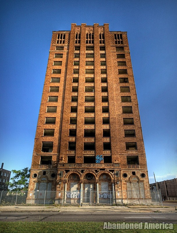 Lee Plaza Hotel (Detroit, MI) | Motor City Monument - Lee Plaza Hotel