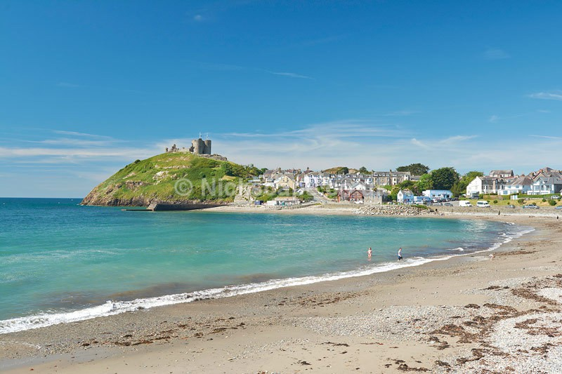 Criccieth Beach and Castle - Llyn Peninsular - Wales - Wales