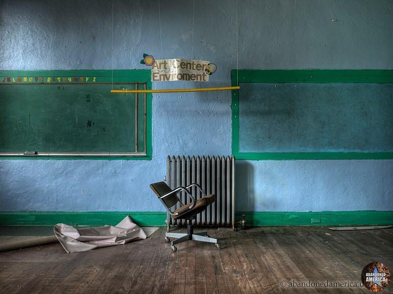 Abandoned classroom  - Matthew Christopher's Abandoned America