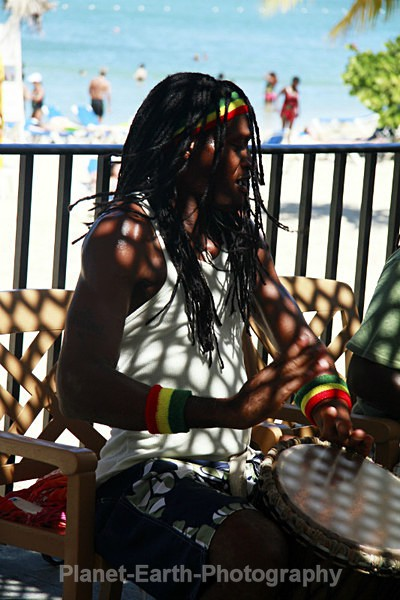 - Jamaica Mon