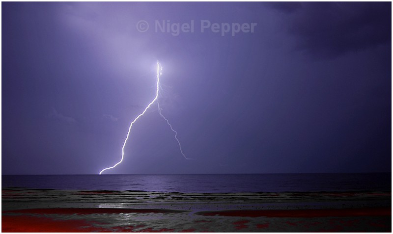 Lightning Strike ( 2 ) - Dramatic Weather