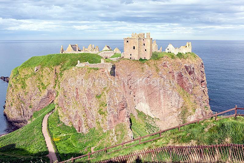 Dunnottar Castle, Stonehaven, Aberdeenshire - Landscape format