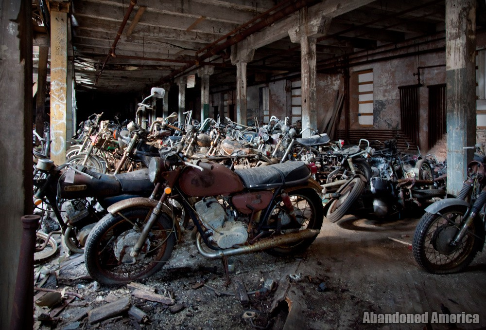 Abandoned Kohl's Motorcycle Salvage - Matthew Christopher's Abandoned America