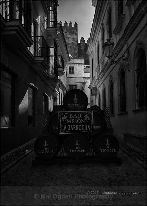 No Go Tio - Black & White/Monochrome