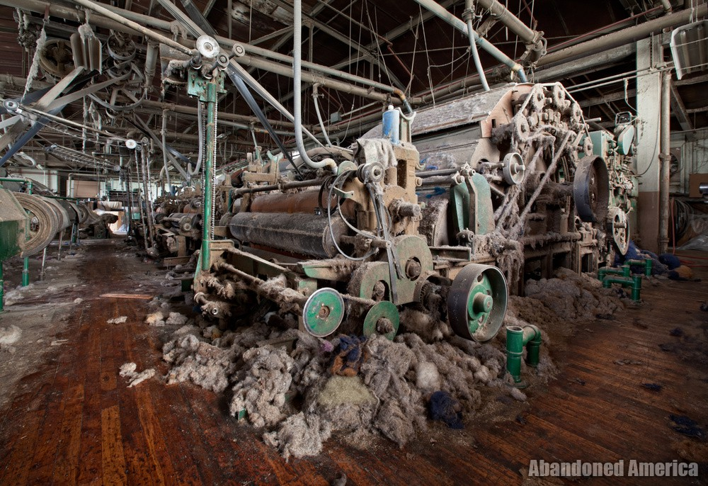 Wilde Yarn Mill (Manayunk, PA)   Like a Spider's Lair - Wilde Yarn Mill