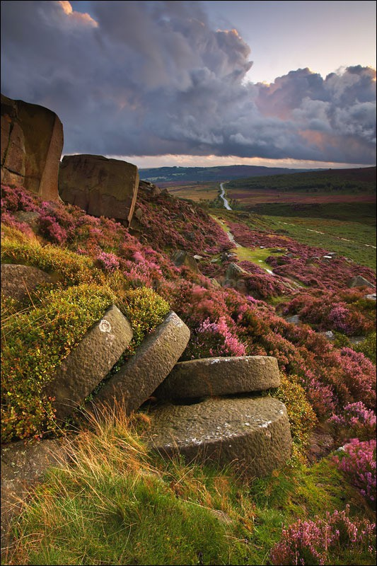 Millstones on Burbage Edge - Peak District | Dark Peak