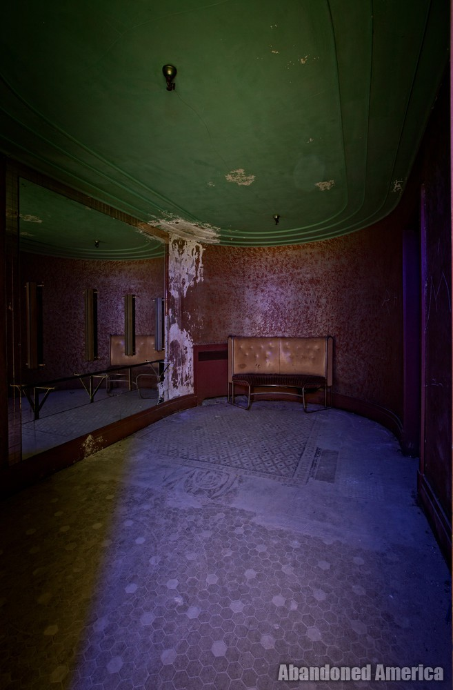Victory Theatre (Holyoke MA) | Well Preserved - The Victory Theatre