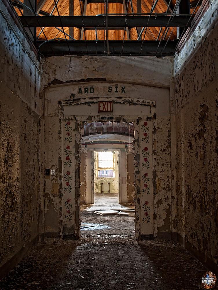 Pilgrim State Hospital (Brentwood, NY) | Ward 5 Entrance - Pilgrim State Hospital