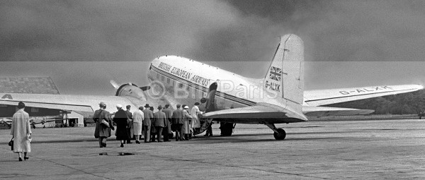 Renfrew Airport 1956 - Land and Sea
